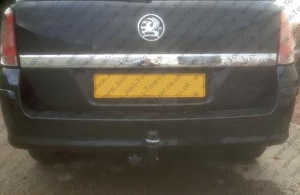 Vauxhall Astra Estate 2004 to 2010 Fitted with Westfalia Swan Neck Towbar & Single Electrics